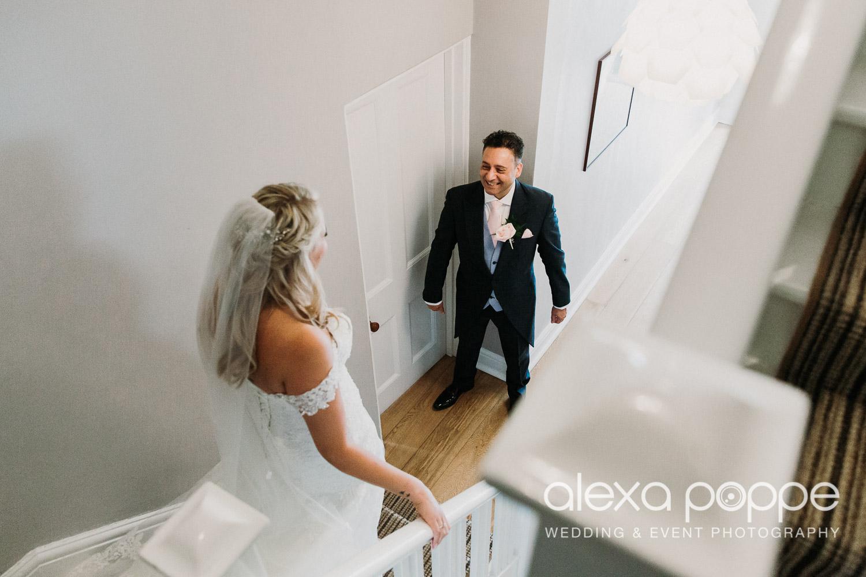 NT_wedding_thegreen_cornwall_25.jpg