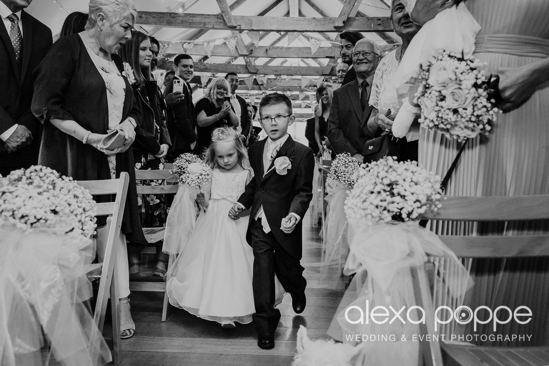 NT_wedding_thegreen_cornwall_29.jpg