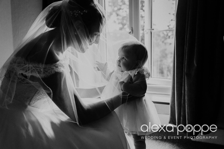 BA_wedding_trelissick_12.jpg
