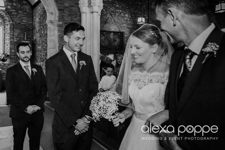 BA_wedding_trelissick_13.jpg