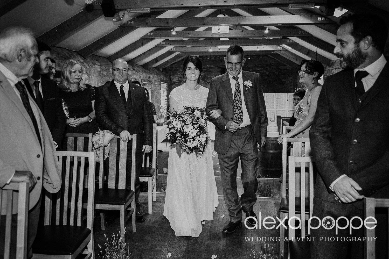 ad_wedding_knightorwinery_6.jpg