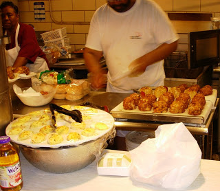 Making lump meat crab cake at Faidleys in Lexinton, Market, recipe below