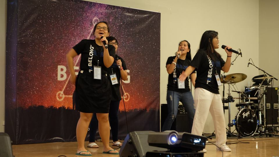Before each session, Praise and Worship took place to prepare the hearts and minds of all attendees.