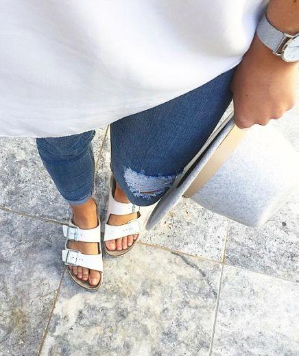 f879772ad7597752565ba79a8ab74073--birkenstocks-white-white-birkenstock-sandals.jpg