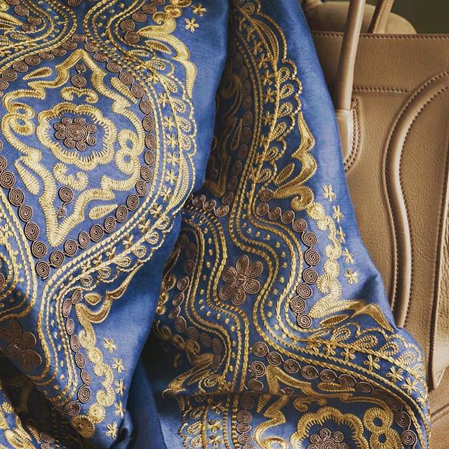A subtle elegance that remains timeless. Woven for @zimmerandrohde_usa for @Ardecora fabrics #fivecolors #drapery #home #embroidery #silk #pureelegance #interior #homedecor #luxuryfabrics #sanfrancisco #menlopark #alliedartsguild