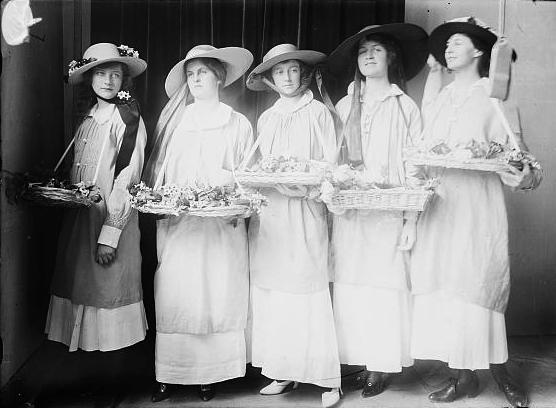 10285-Pauline-Bacon----Helen-Alexander----Irene-Gibson----Sybil-Appleton----Mary-Cameron.jpg
