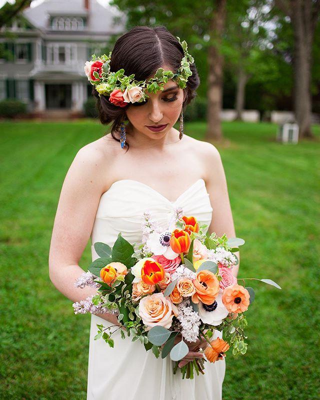 How amazing is this bridal look with our mansion in the background! ⠀ Photo: @rhiannonkathleenstudios ⠀ .⠀ .⠀ .⠀ .⠀ .⠀ .⠀ .⠀ .⠀ #avocamuseum #virginiaweddings #virginiawedding #historicwedding #historicweddingvenue #southernwedding #weddingvenue #weddingplanning #weddinginspiration #vaweddingvenue #engaged #dcbride #richmondbride #charlottesvillebride #virginiaweddings #southcarolinabride #lynchburgwedding #lynchburgweddingvenue #virginiaweddings #lynchburgbrides #vabrides #lynchburgva #luxurywedding #weddinginspo #vaisforlovers #ido