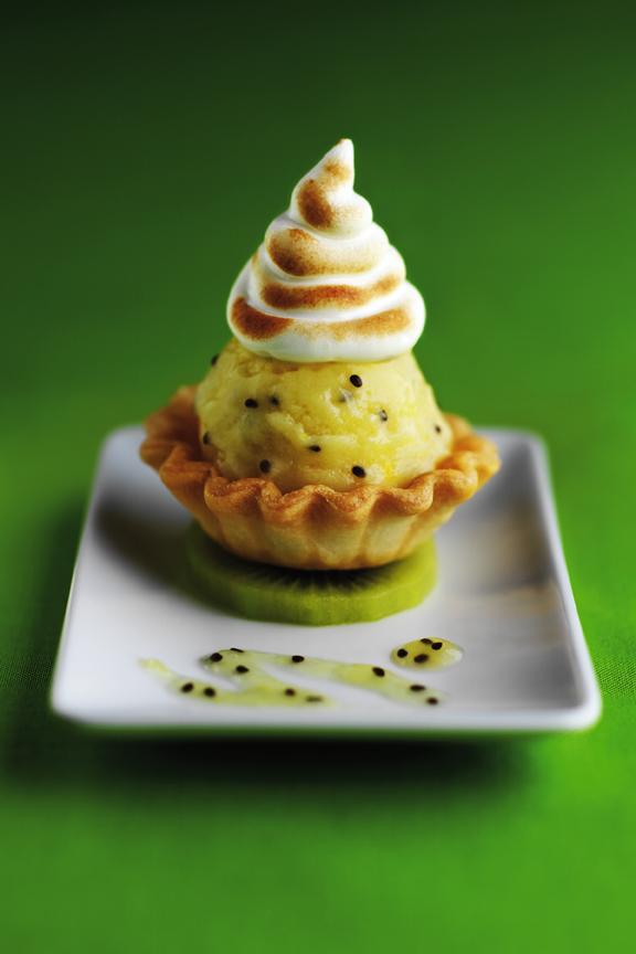 """Down Under"" Green & Gold Kiwifruit Meringue Beehives"