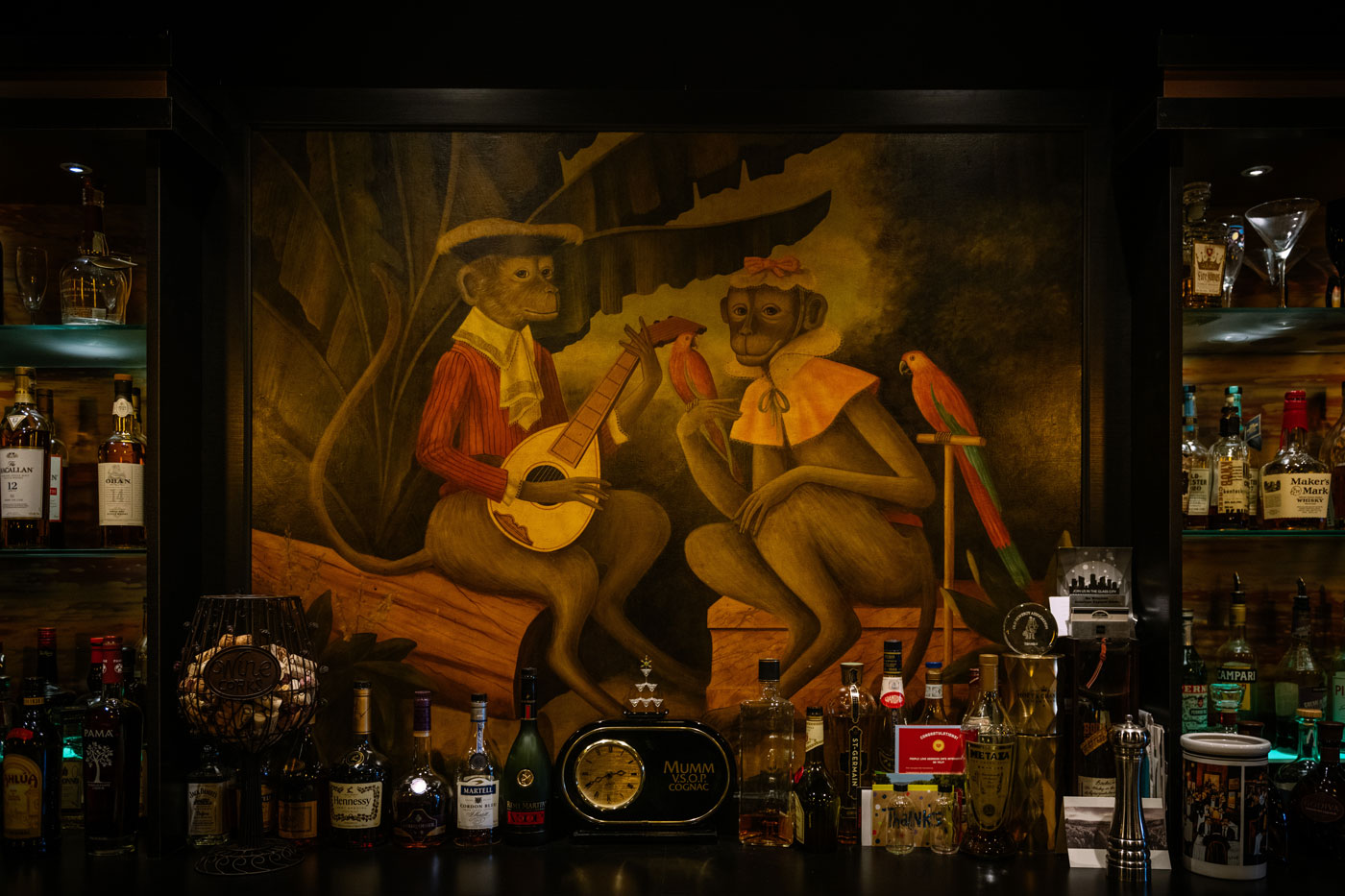 Georgios-mural-by-bar.jpg