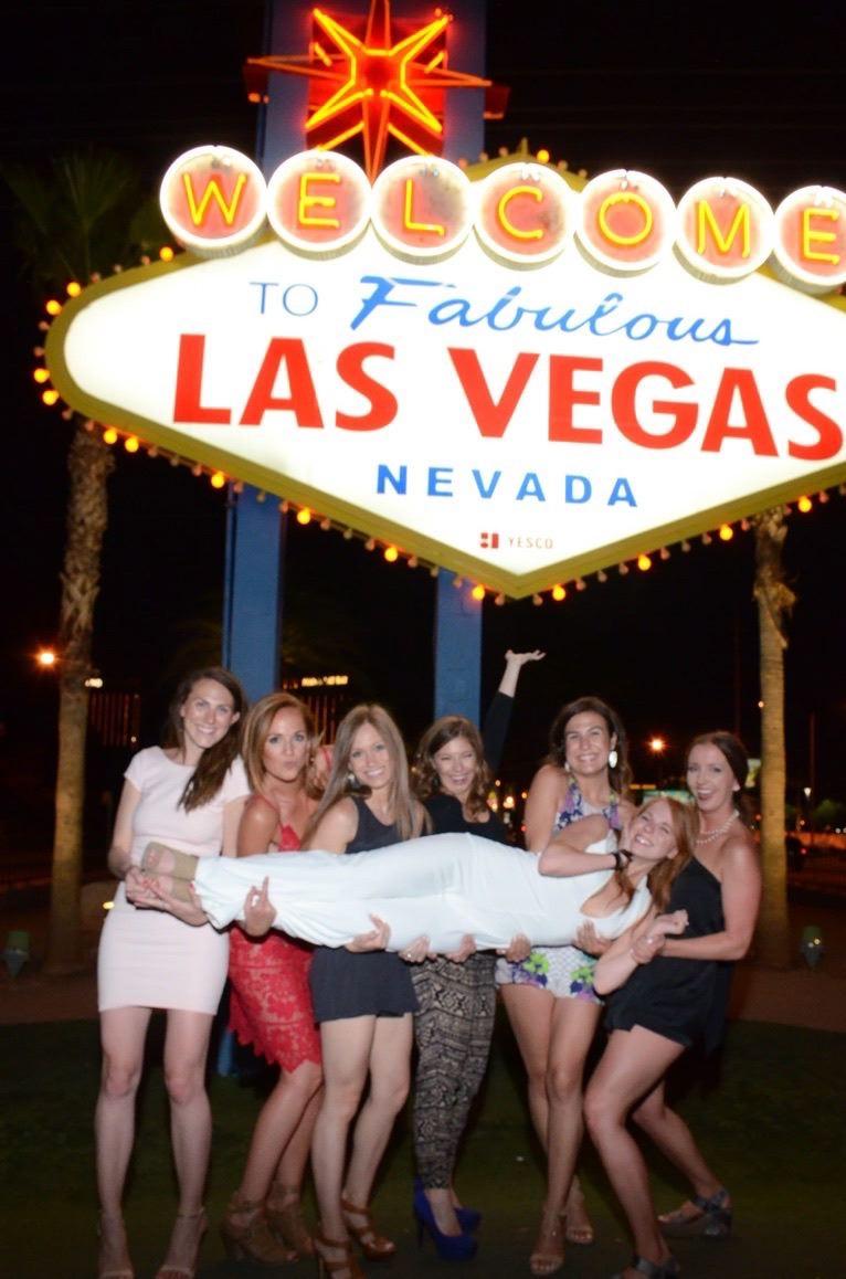 06 /  Laura's bachelorette party in Vegas