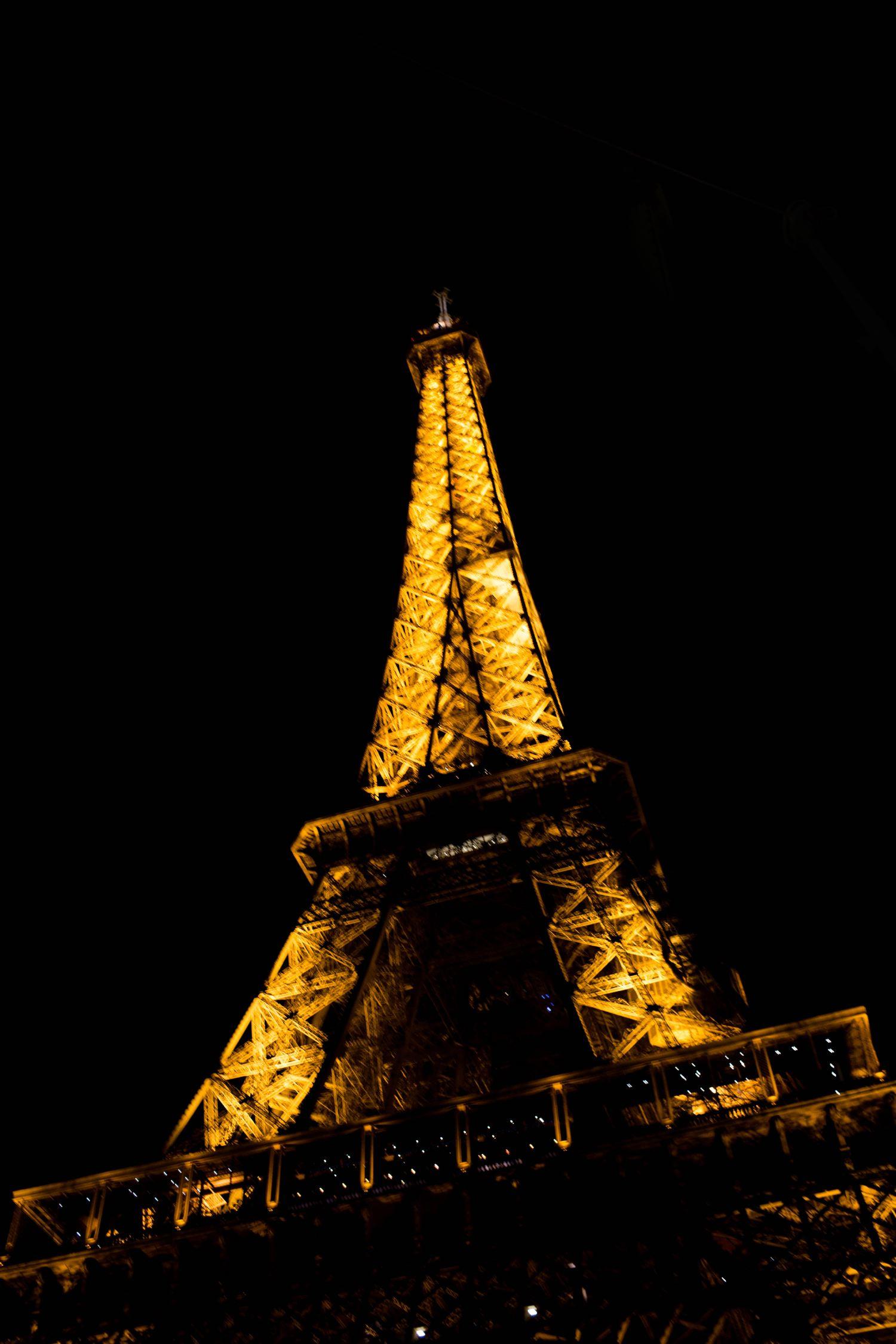 12 /   Paris
