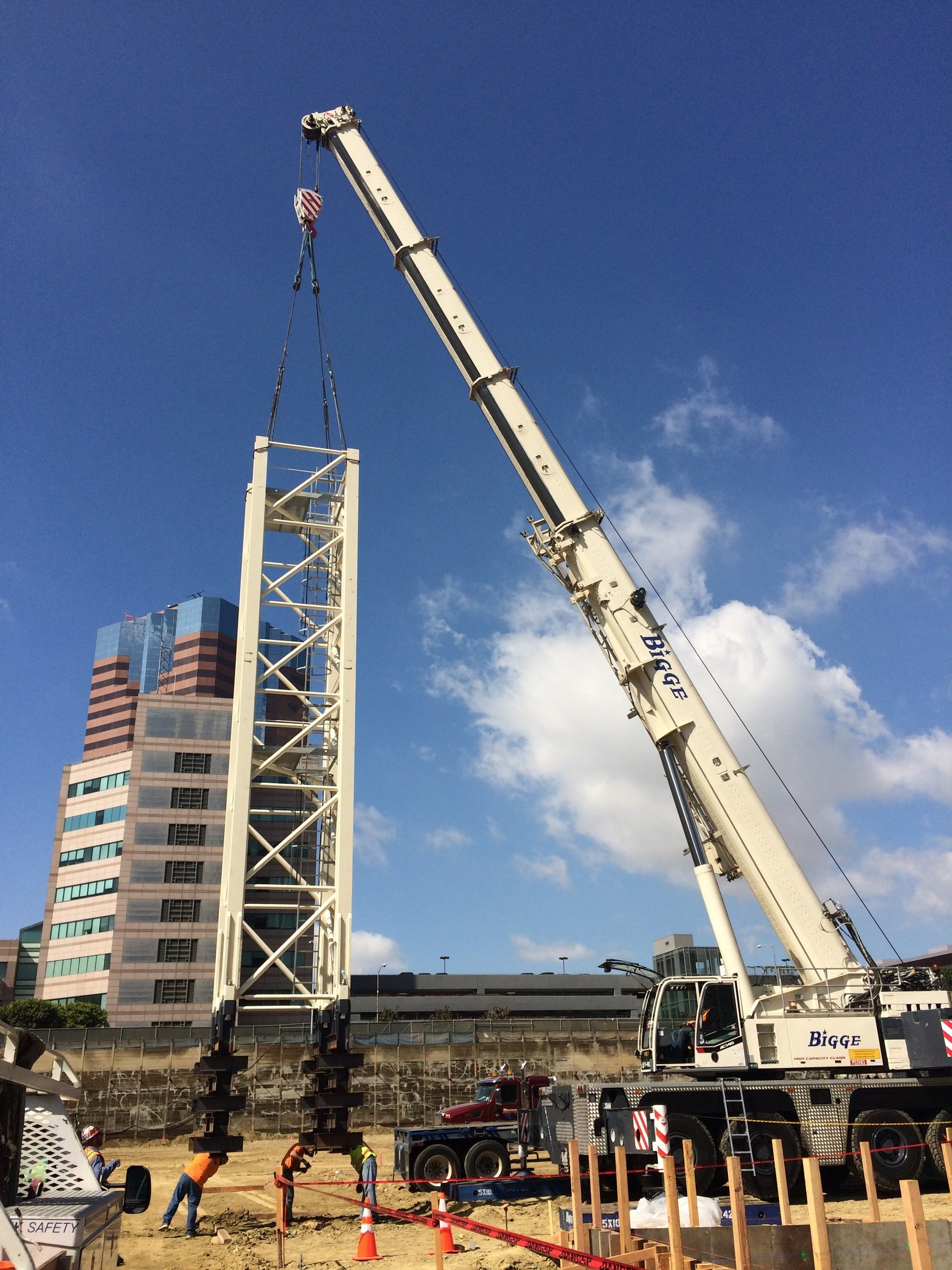 Tower Cranes Arvive