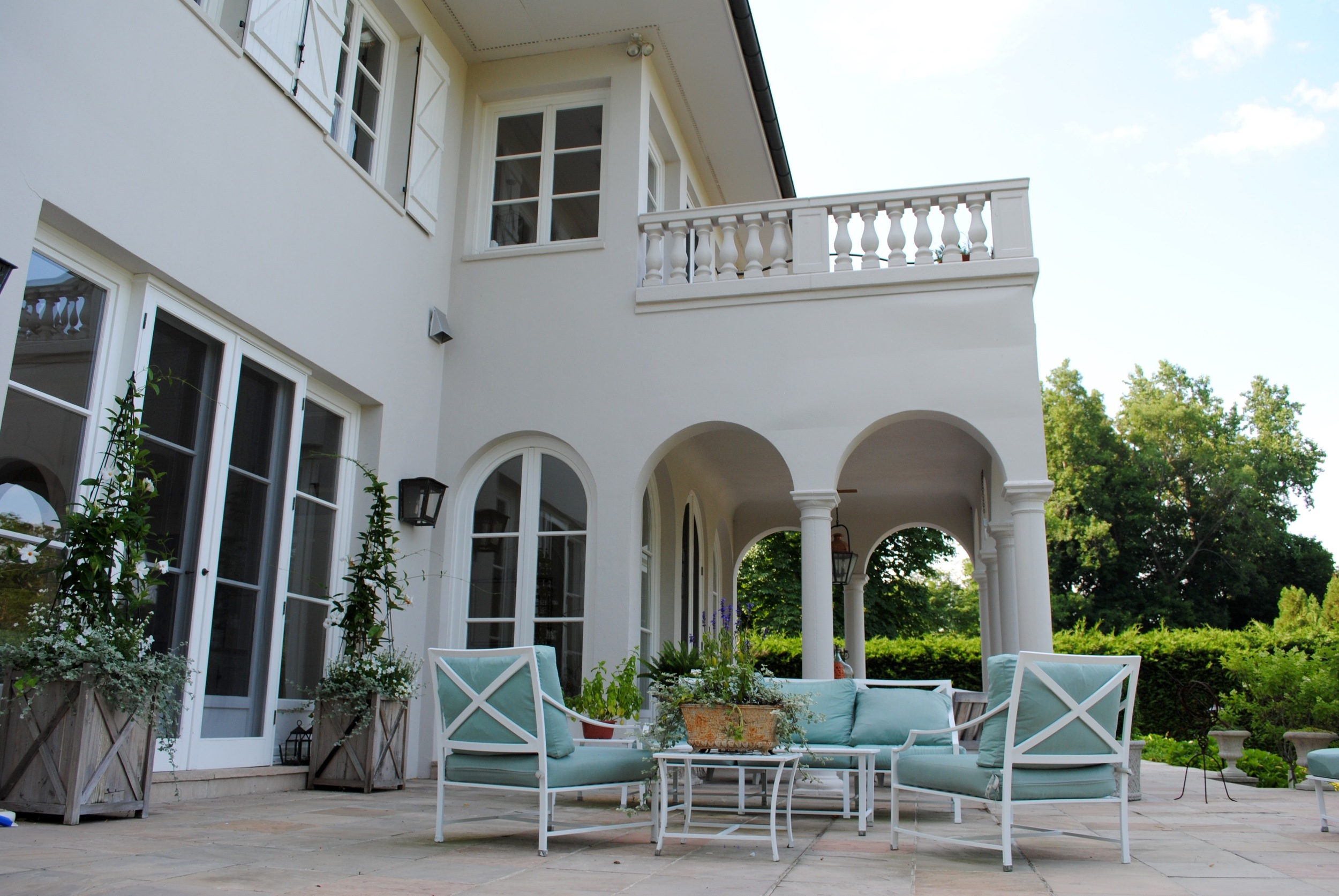 outdoor-seating.jpg