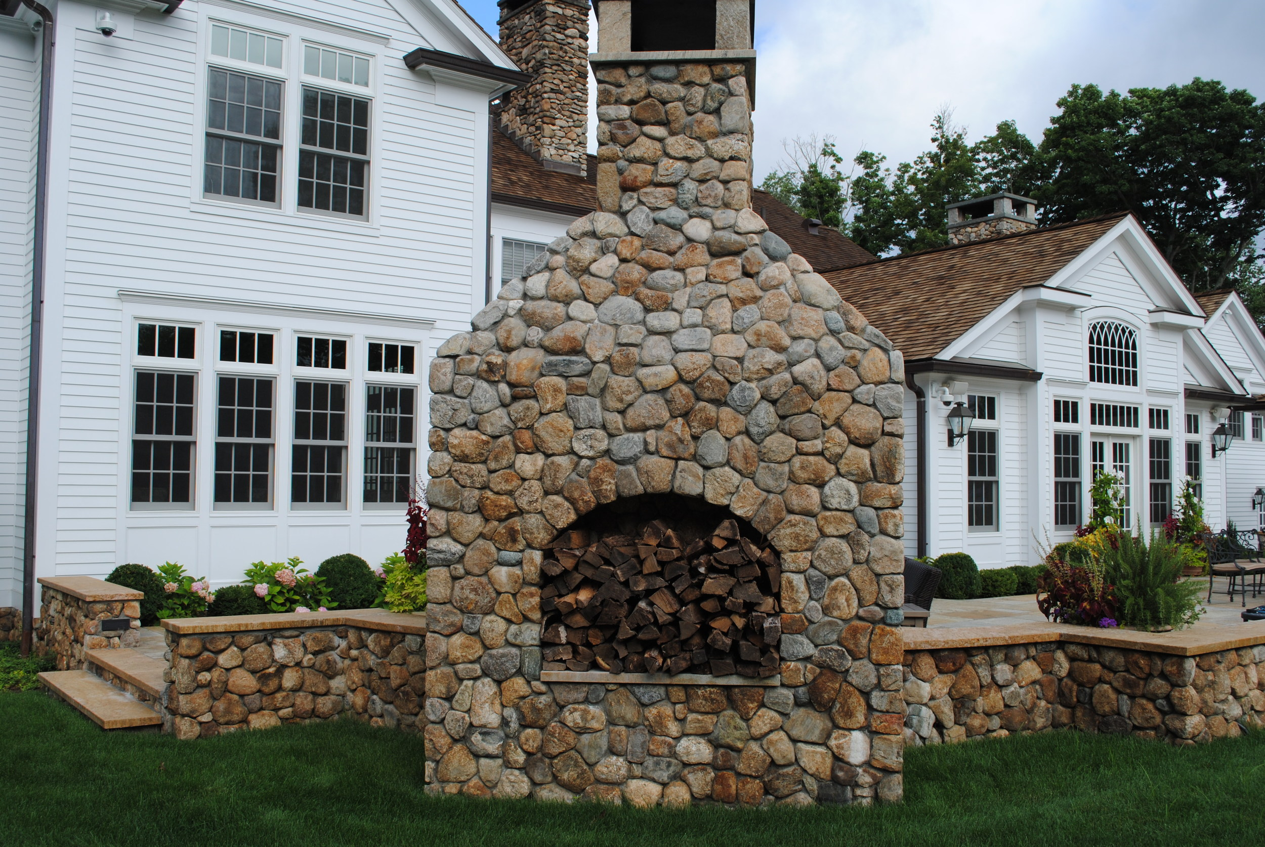 outdoor-fireplace-connecticut.JPG