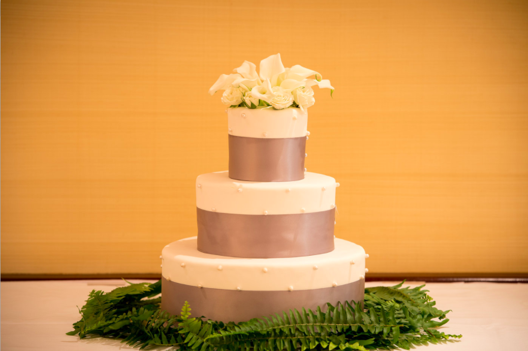 good-gardens-wedding-cake.png
