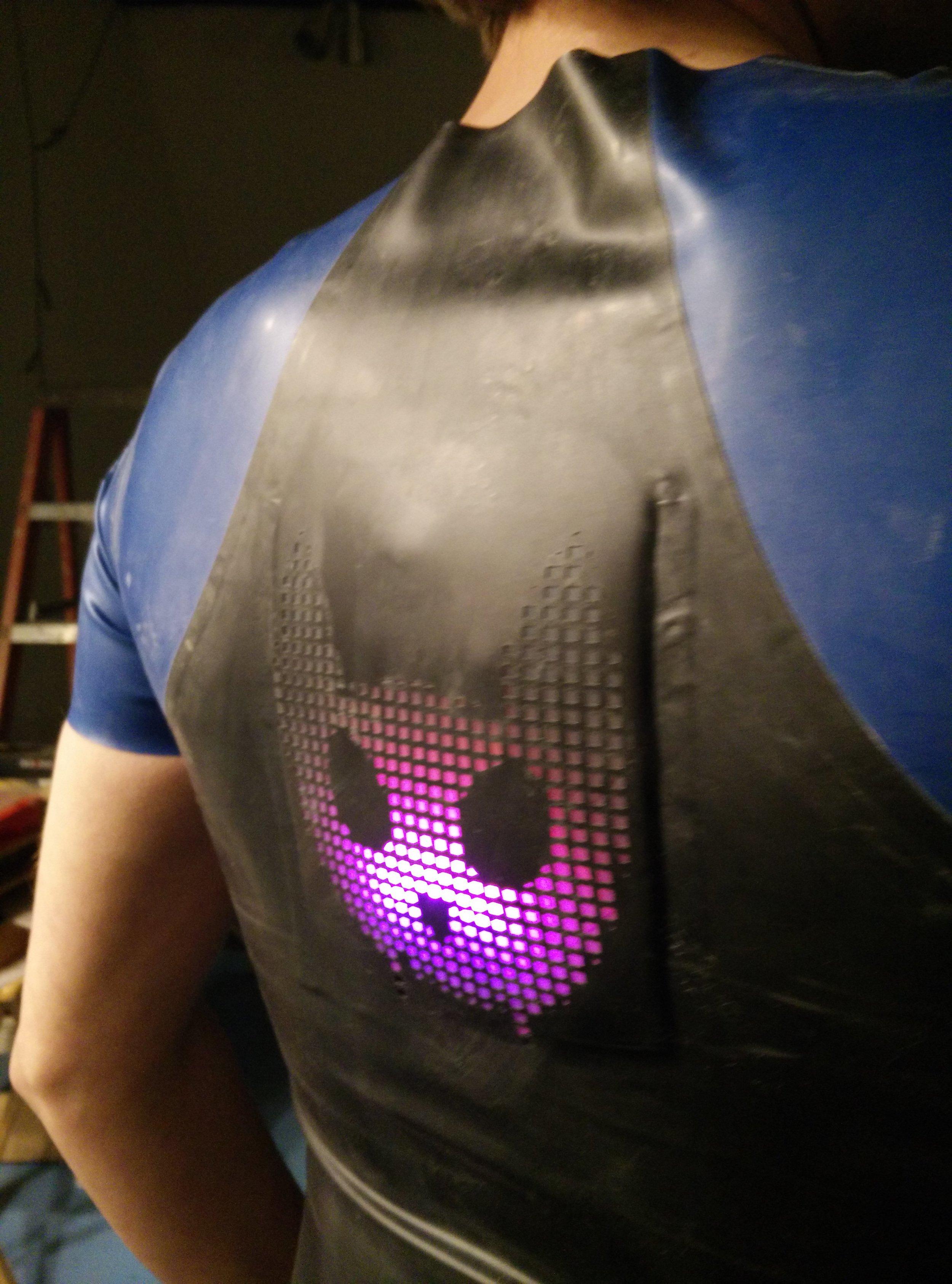 LED backlit 8-bit lace