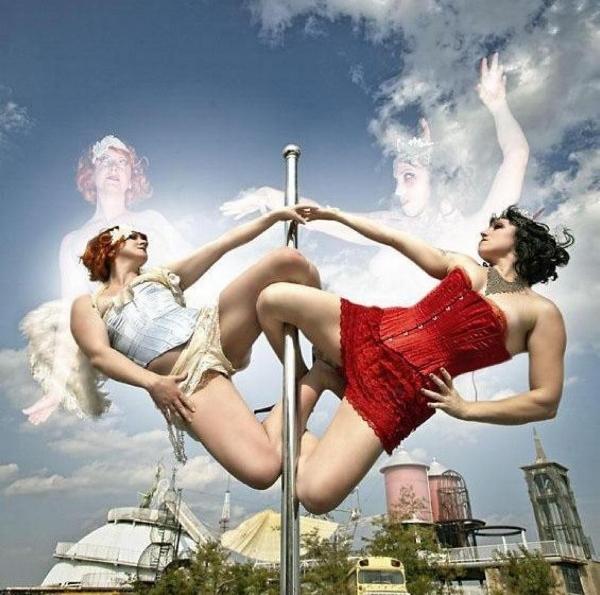 Gravity Plays Favorites photo by Josh Rowen