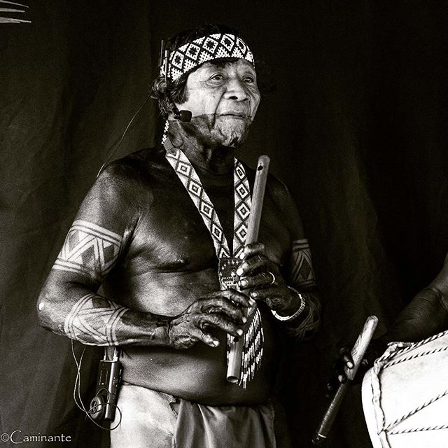 Emiliano Caisamo Dia Cultural, Piriati Embera, Panama  #panama #darien #embera #diacultural #piriati #indigenous #indigena #instablackandwhite #blackandwhite
