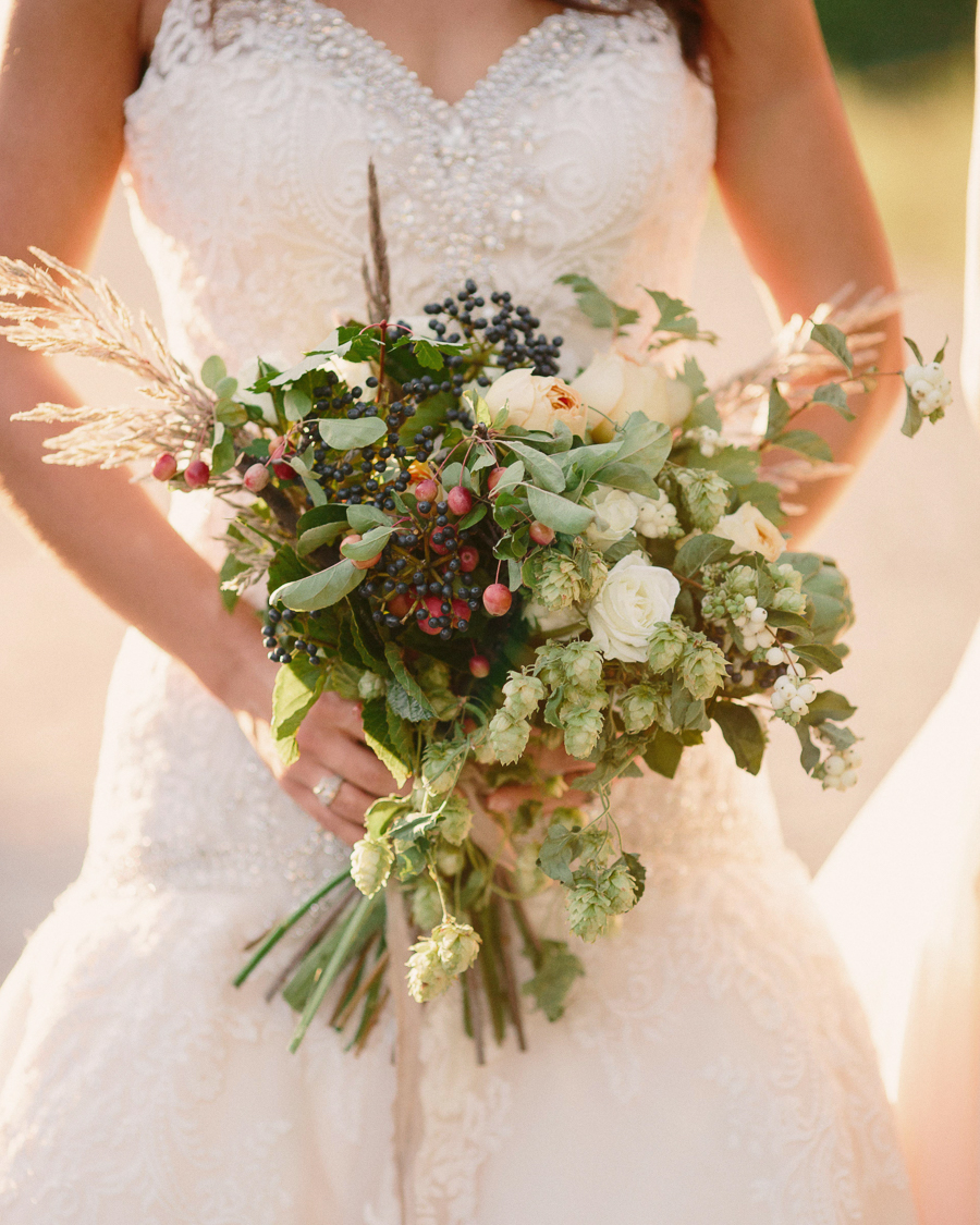 Wedding bouquet by 3 Leaf Floral / Grand Junction wedding photographer / www.catmayerstudio.com