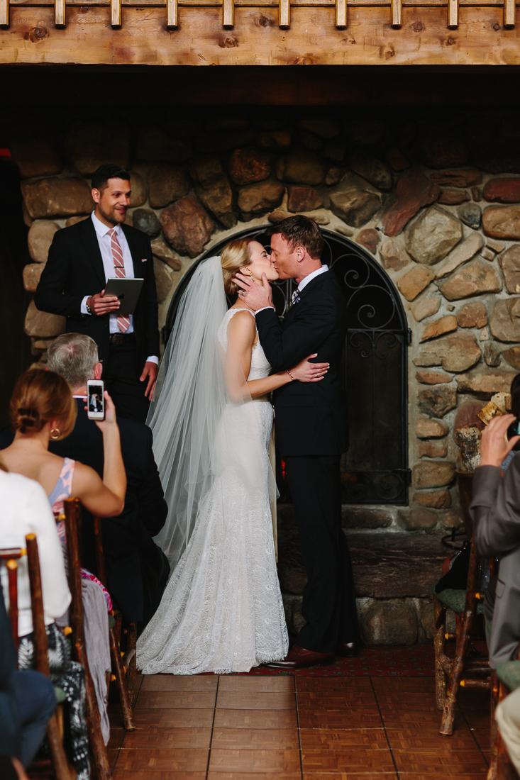 Wedding kiss at Gorrono Ranch / Cat Mayer Studio