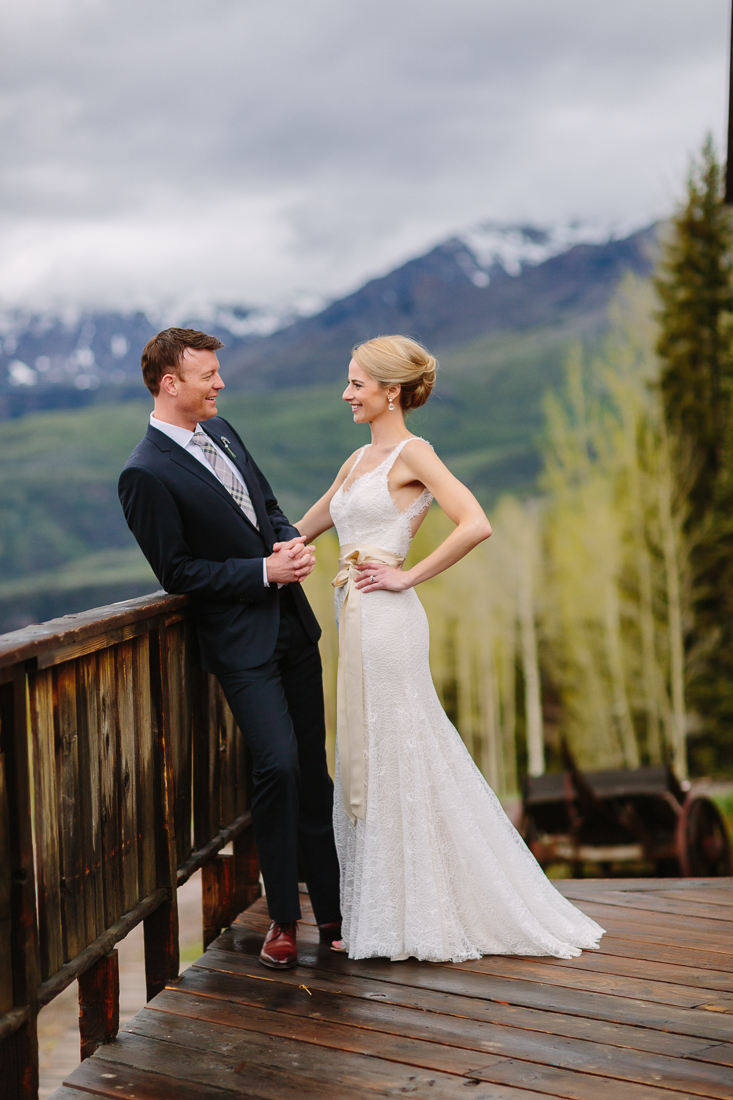 Wedding couple at Gorrono Ranch with Mountains / Cat Mayer Studio