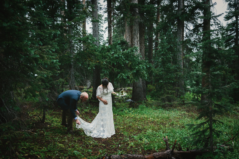Groom helping bride with wedding dress | Telluride Wedding Photographer | Alta Lakes Wedding | Cat Mayer Studio