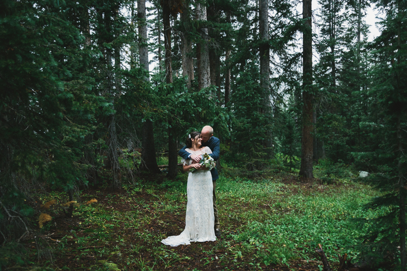 Couple in forest | Wedding at Alta Lakes Observatory | Cat Mayer Studio