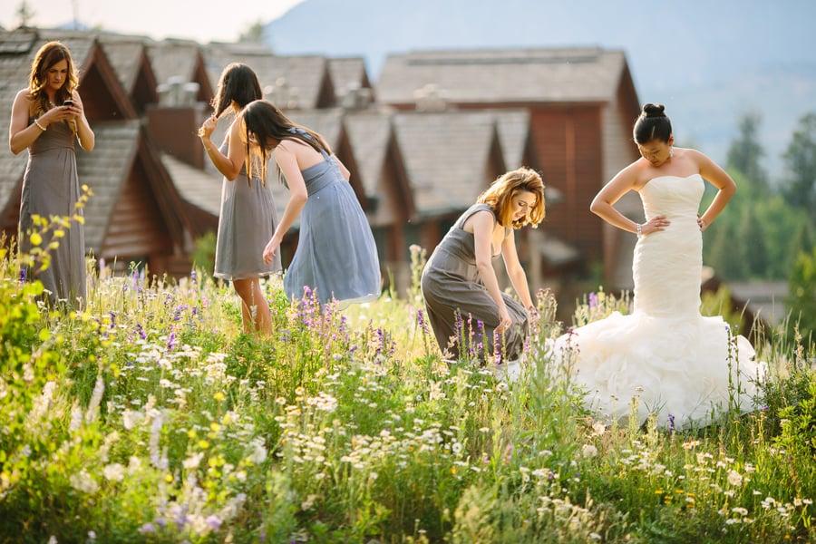 Bride with bridesmaids | Telluride wedding photographer | Cat Mayer Studio