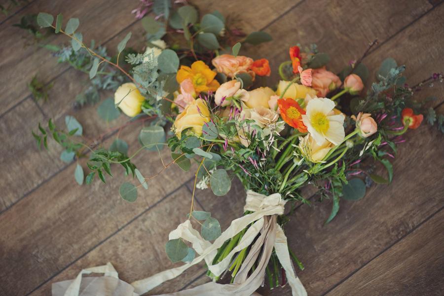Bridal bouquet by 3 Leaf Floral | Grand Junction Wedding Photographer | www.catmayerstudio.com