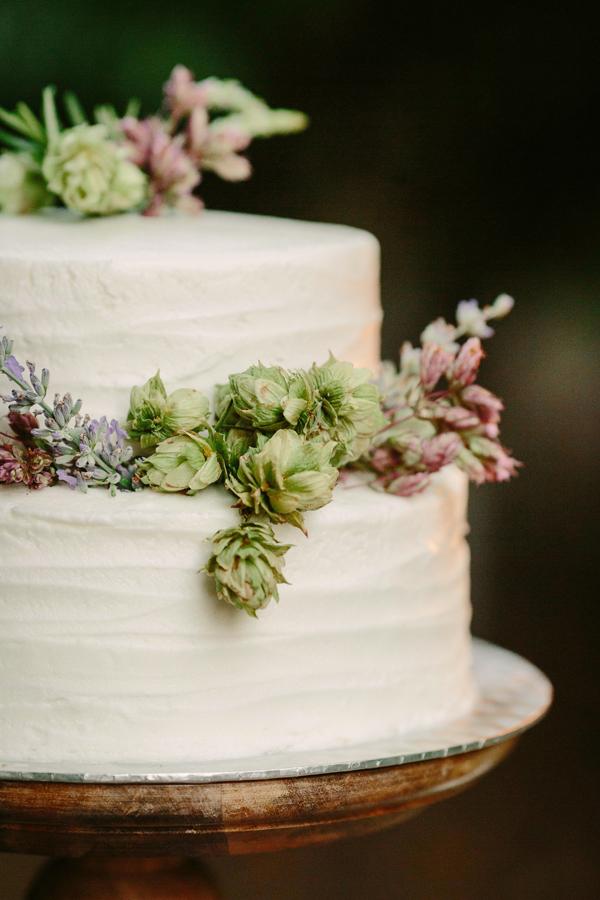 Wedding cake by Bespoke Cakery | Grand Junction wedding |  | www.catmayerstudio.com