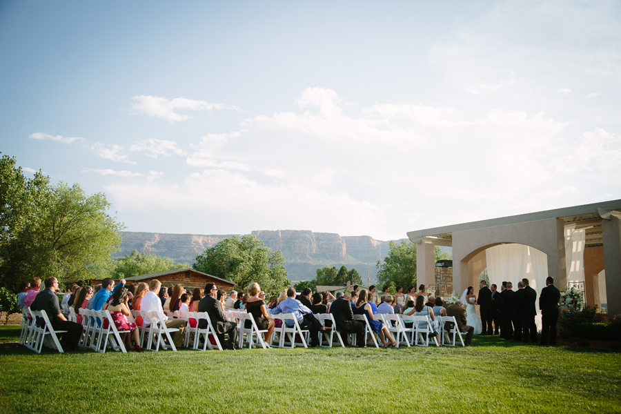 Wedding at Two Rivers Winery & Chateau | Grand Junction winery wedding | Photographer: Cat Mayer Studio  | www.catmayerstudio.com