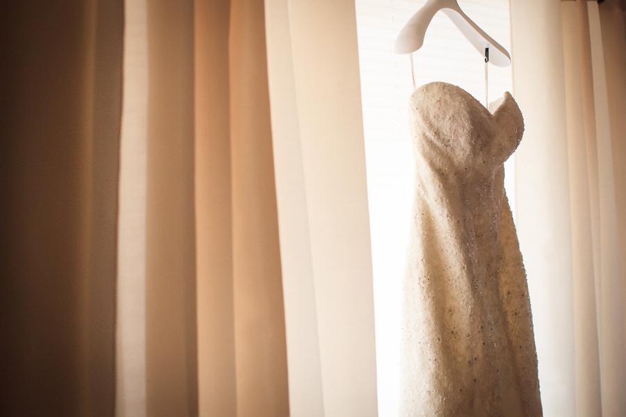 Wedding dress | Grand Junction wedding | Photographer Cat Mayer Studio | www.catmayerstudio.com