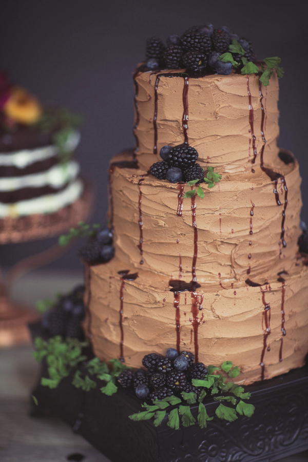 Chocolate berry wedding cake | Bespoke Cakery | Grand Junction wedding | Photography by Cat Mayer Studio | www.catmayerstudio.com