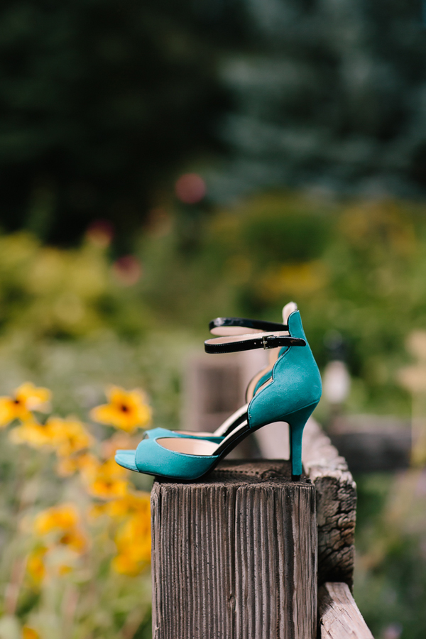 Turquoise wedding shoes | Aspen wedding | Photographer: Cat Mayer Studio www.catmayerstudio.com