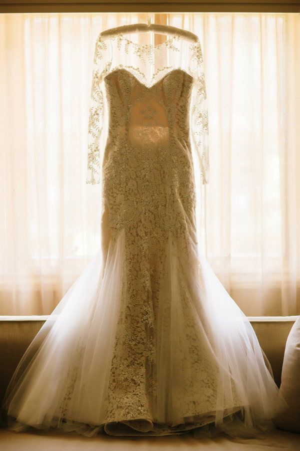 Custom Naeem Khan wedding dress | The Little Nell Aspen Wedding | Photographer: Cat Mayer Studio www.catmayerstudio.com
