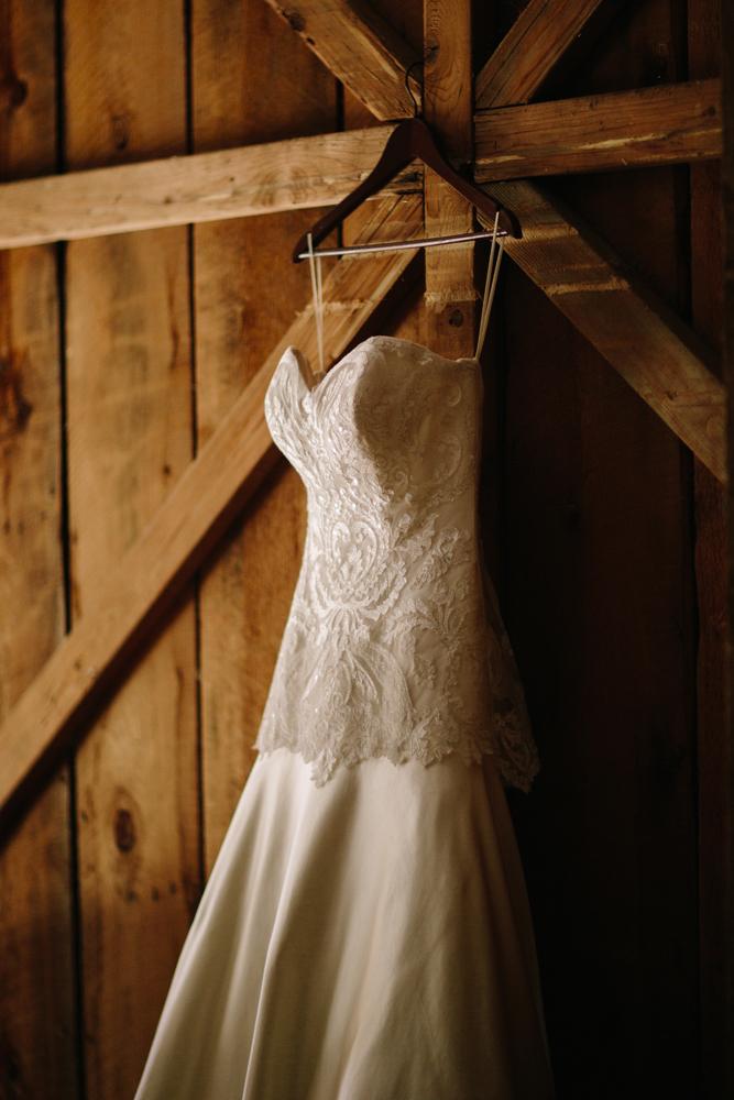 Cat Mayer Studio | www.catmayerstudio.com | Grand Junction Wedding Photography | Wedding dress at Amy's Courtyard