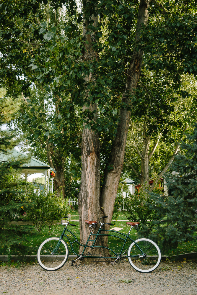 Cat Mayer Studio | www.catmayerstudio.com | Grand Junction Wedding Photography | Bike for Two