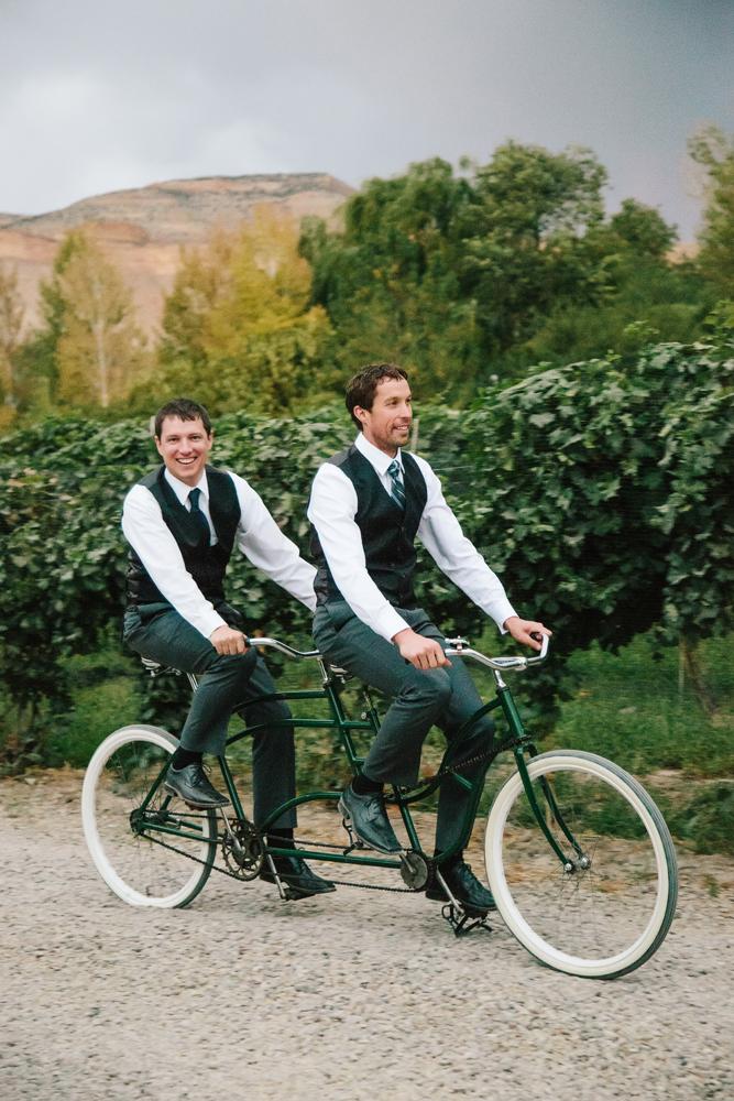 Cat Mayer Studio | www.catmayerstudio.com | Grand Junction Wedding Photography | Groomsmen riding bike for two