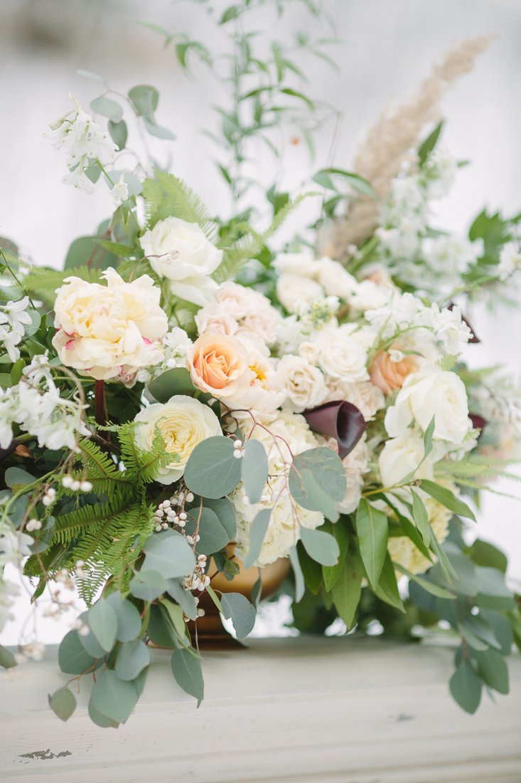 Cat Mayer Studio | www.catmayerstudio.com | Vail Wedding Photography | Wedding ceremony flowers by 3 Leaf Floral