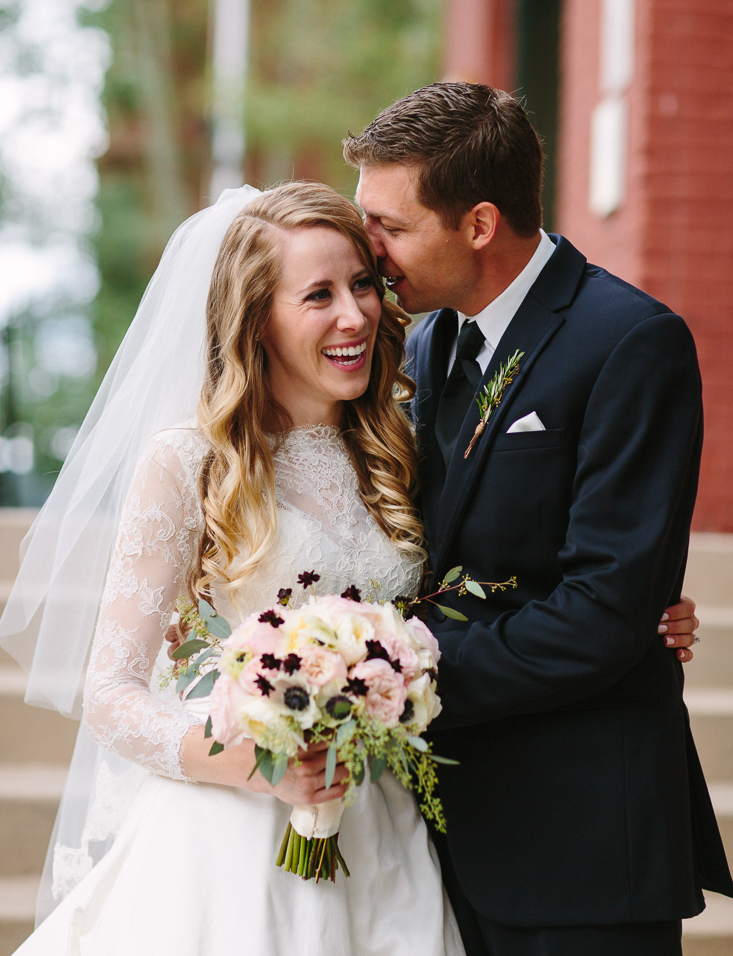 Telluride wedding | Bride with New Leaf Floral Bouquet | Photography by www.catmayerstudio.com