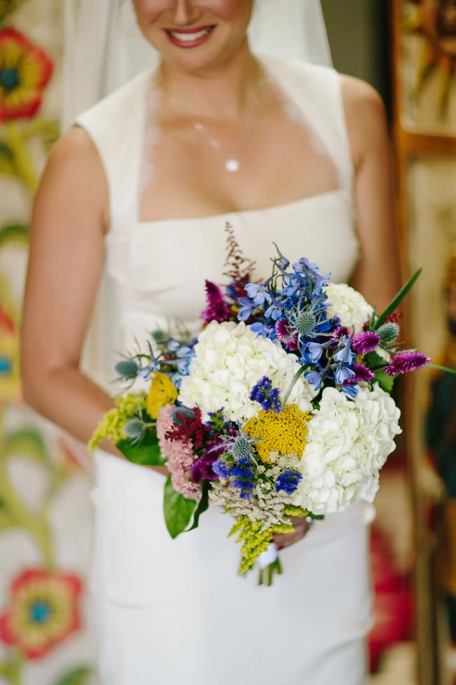 Aspen Wedding Photography | Bride Holding Bouquet | Cat Mayer Studio | www.catmayerstudio.com