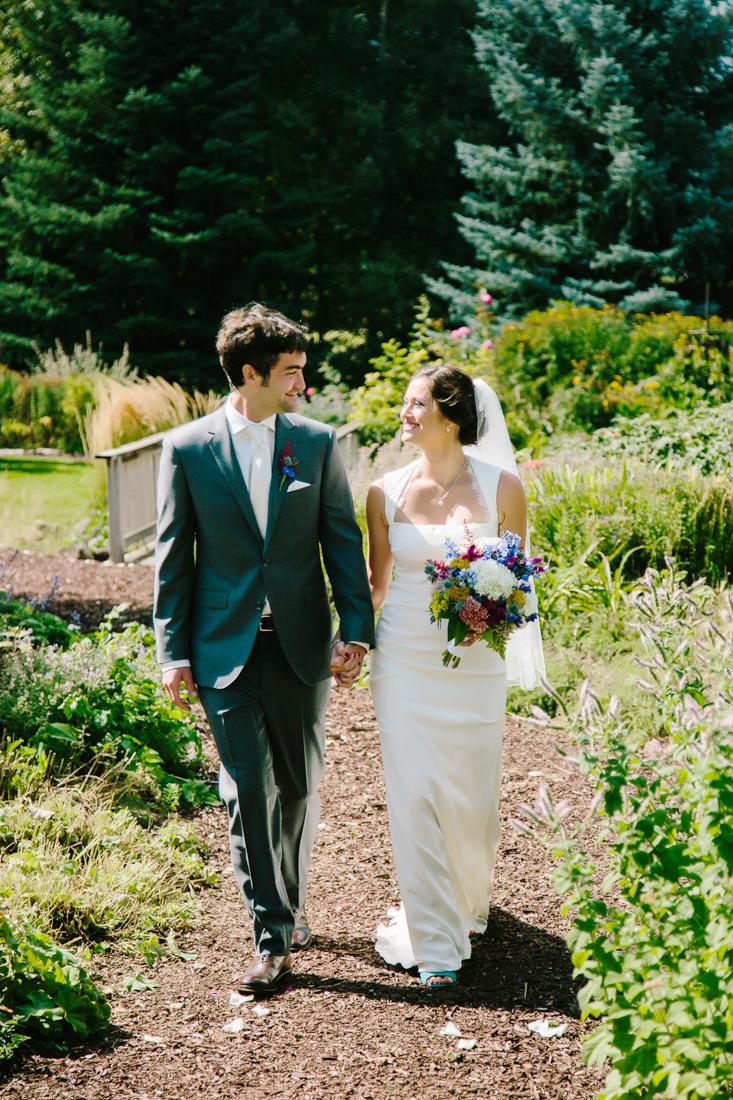 Wedding Couple Walk Down Outdoor Isle | Cat Mayer Studio | www.catmayerstudio.com
