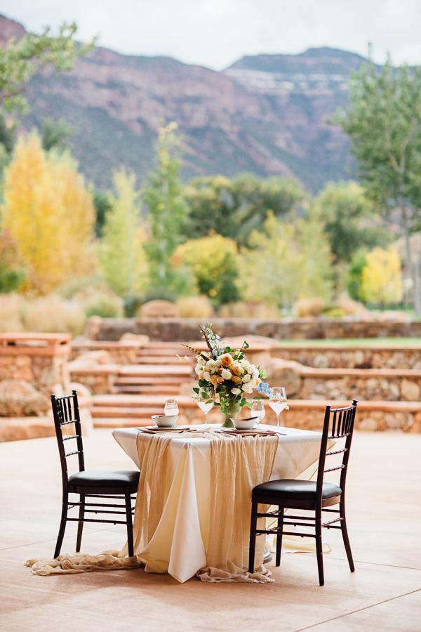 Rustic Table Setting at Gateway Canyons Resort | Cat Mayer Studio | www.catmayerstudio.com
