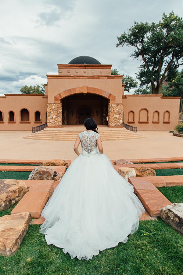 Gateway Canyons Resort Wedding Photography| Grass and Stone Wedding Aisle  | Cat Mayer Studio | www.catmayerstudio.com