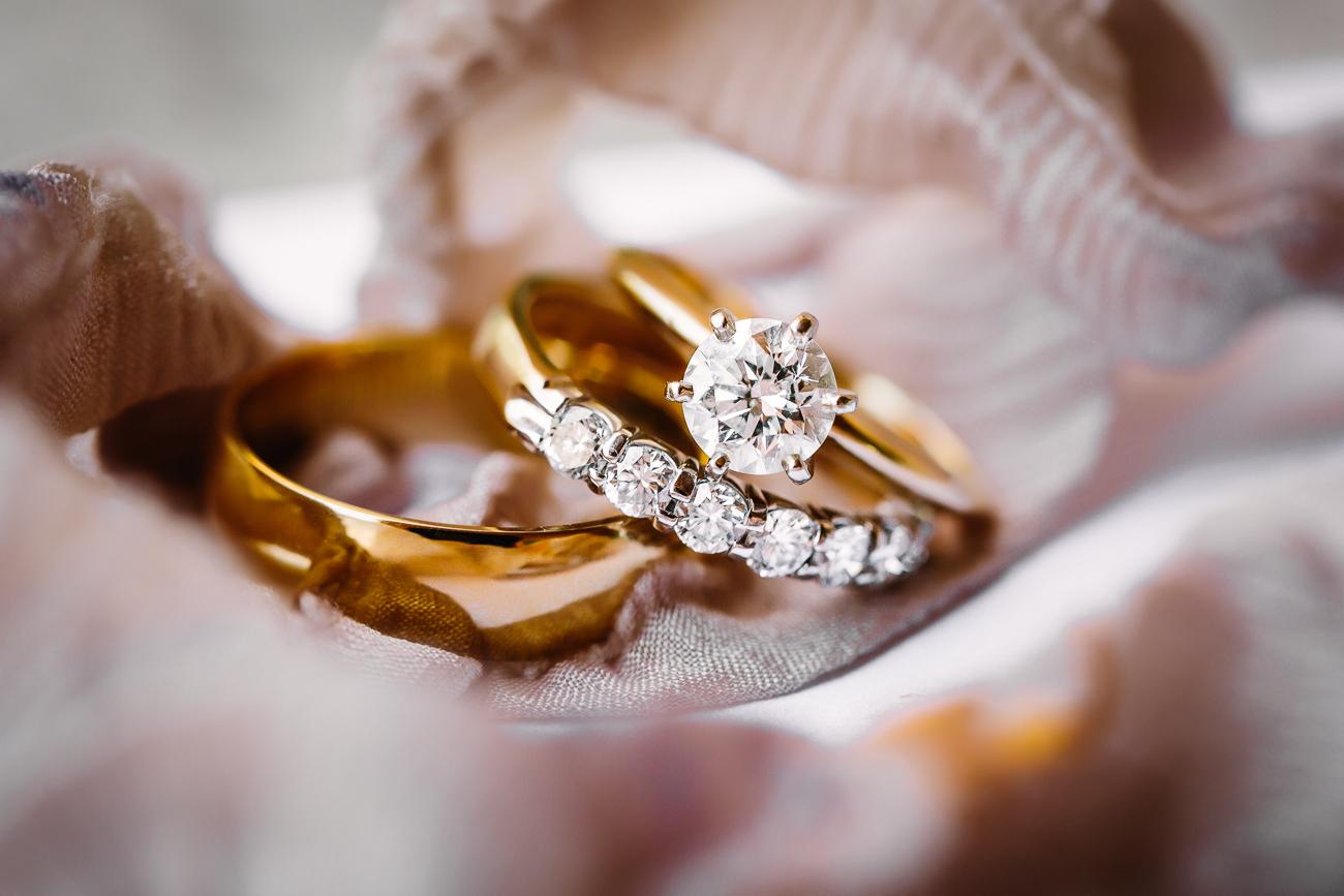 Two Rivers Winery Wedding | Gold Wedding Rings From Bentley Fine Jewelry | Cat Mayer Studio | www.catmayerstudio.com