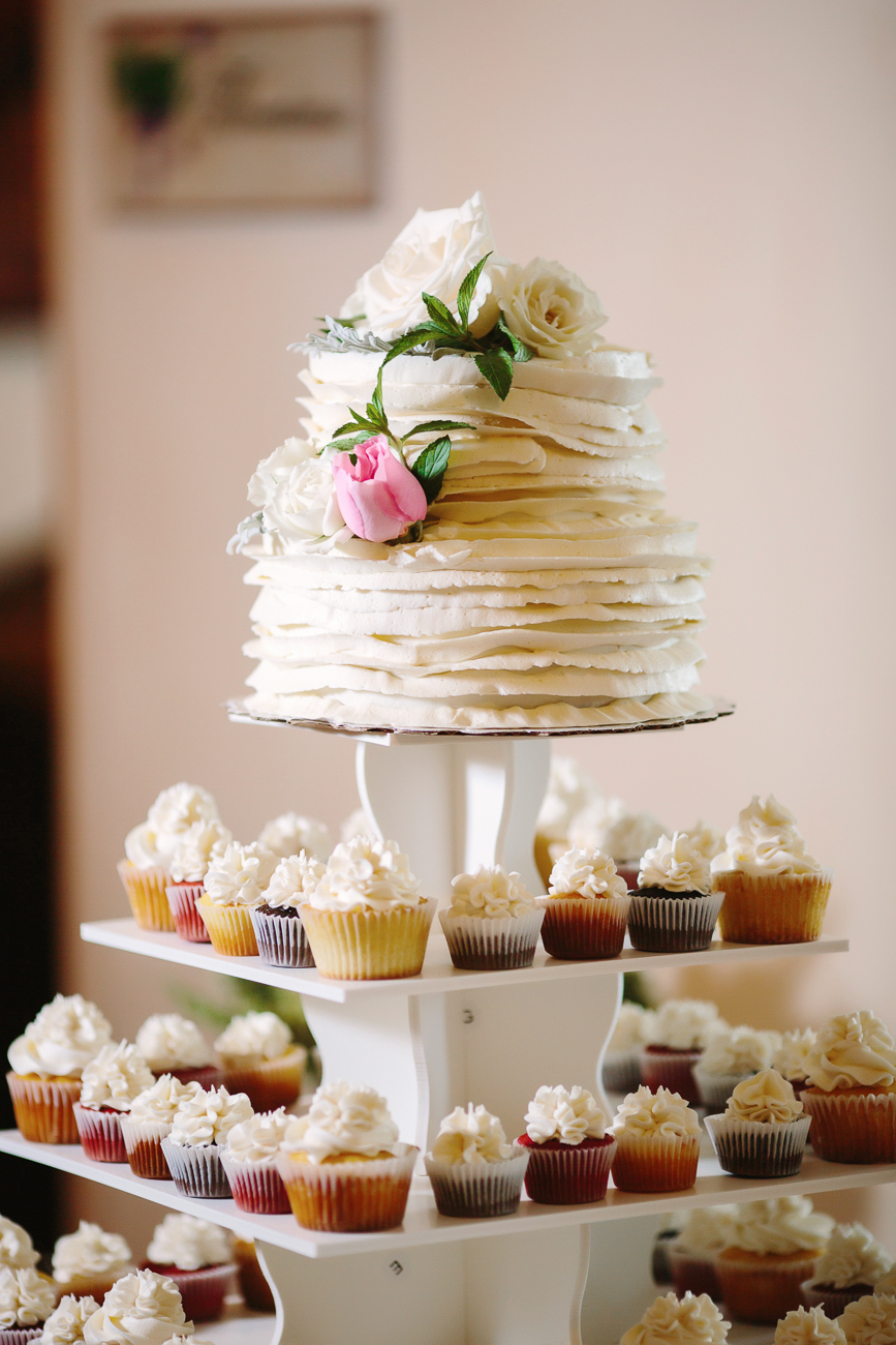 Wedding Cup Cakes buy Ever After Cakes and Creations | Cay Mayer Studio | www.catmayerstudio.com