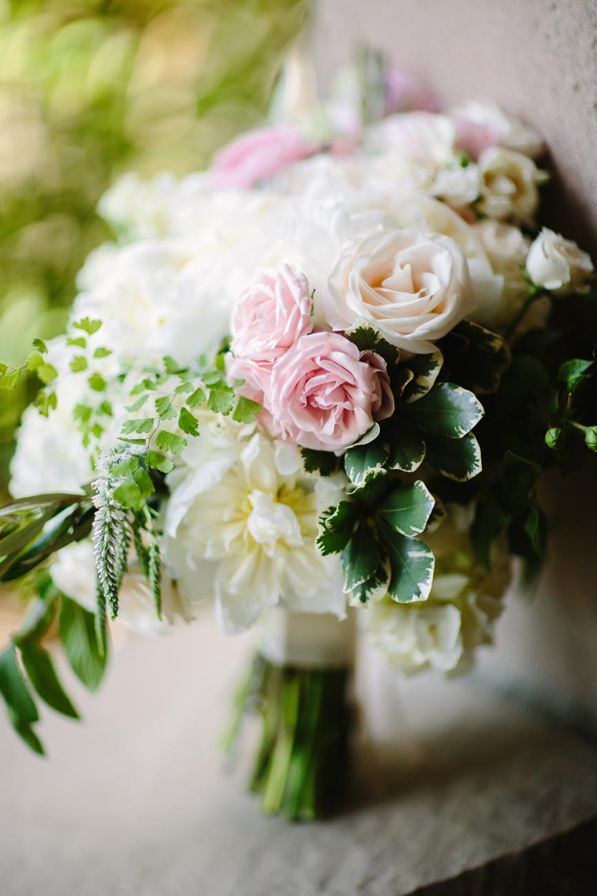 White and Pink Rose Bouquet | Cay Mayer Studio | www.catmayerstudio.com