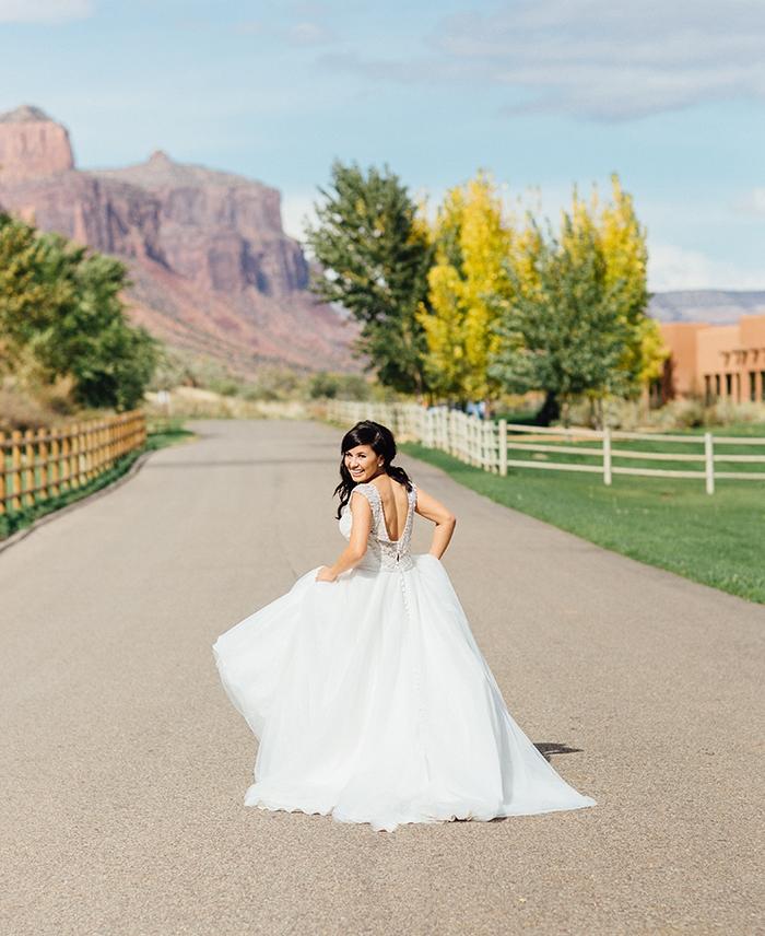 Gateway Wedding Photography | Bride Looking Back | Cat Mayer Photography | www.catmayerstudio.com