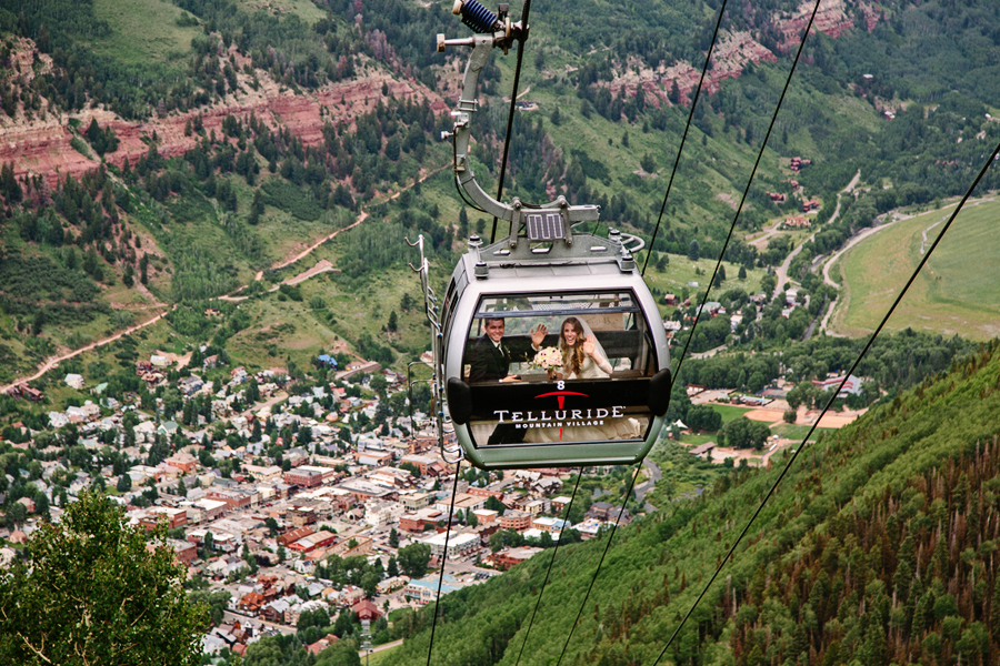 Bride and groom picture on the gondola