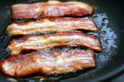 bacon sizzling.jpg